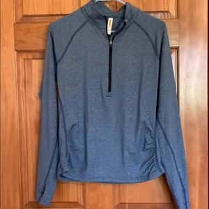 Lucy Activewear 1/2 zip Top M